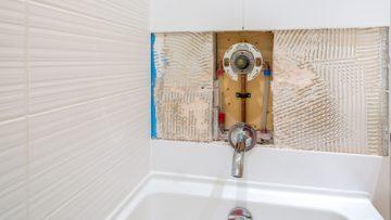 Dripping Shower | Billy the Sunshine Plumber